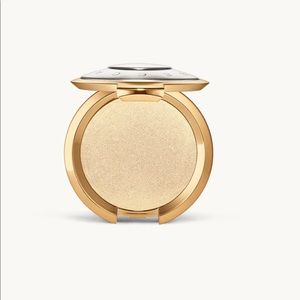 Becca Light Chaser Highlight Pearl Flashes Gold